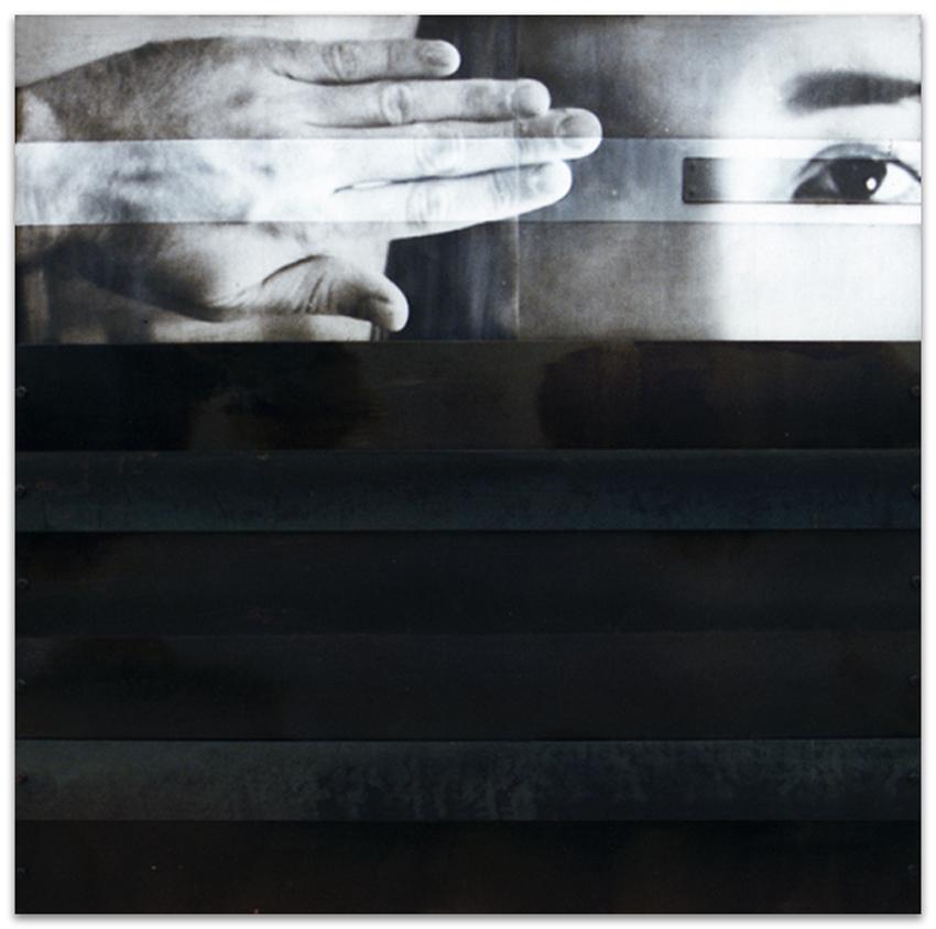 S.T., 1993, Fotografía y hierro, 125x125 cm