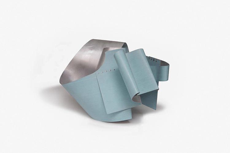Small Voragini, 2016, Acrílico sobre aluminio, 36x42x48 cm