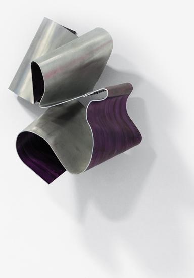 Cascade, 2012, Esmalte sobre aluminio, 30x20x20 cm