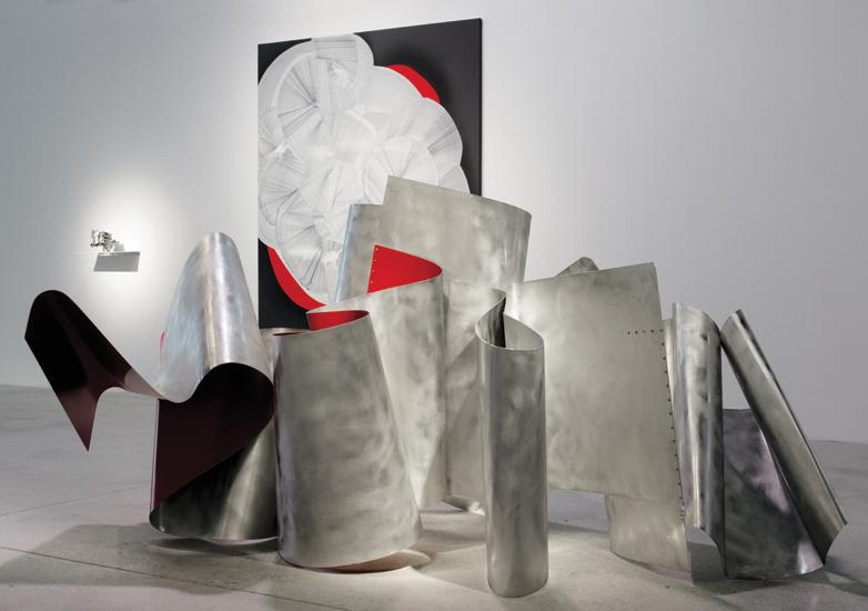 Pororoca, 2013, Esmalte sobre aluminio, 131x272x160 cm
