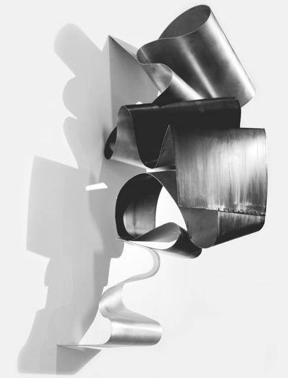 Tornat Cendra, 2013, Esmalte sobre aluminio, 90x75x75 cm